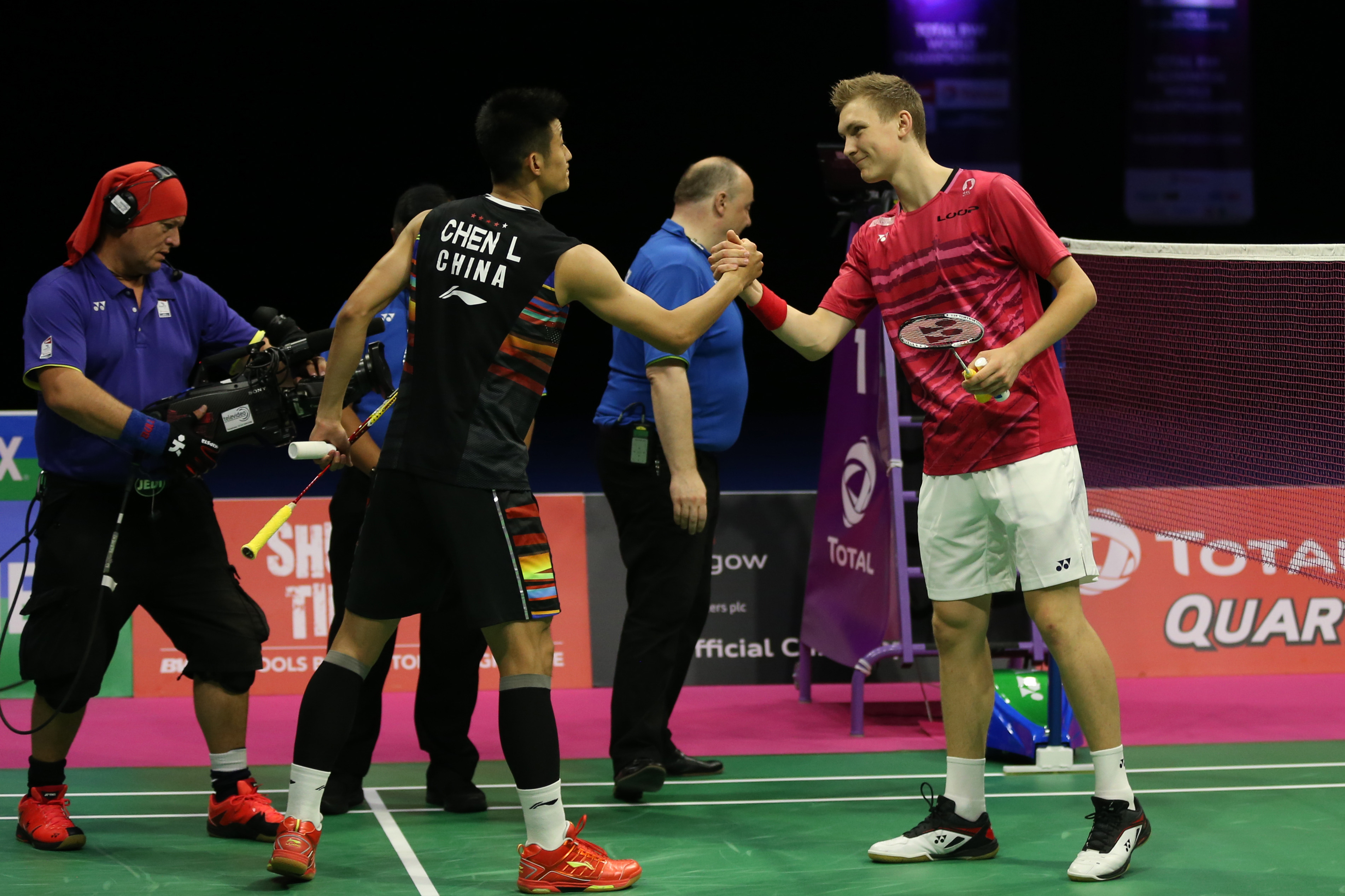 Axelsen blasts past Olympic champion